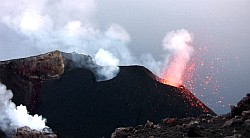 Stromboli 2009, lava fountain, video clip